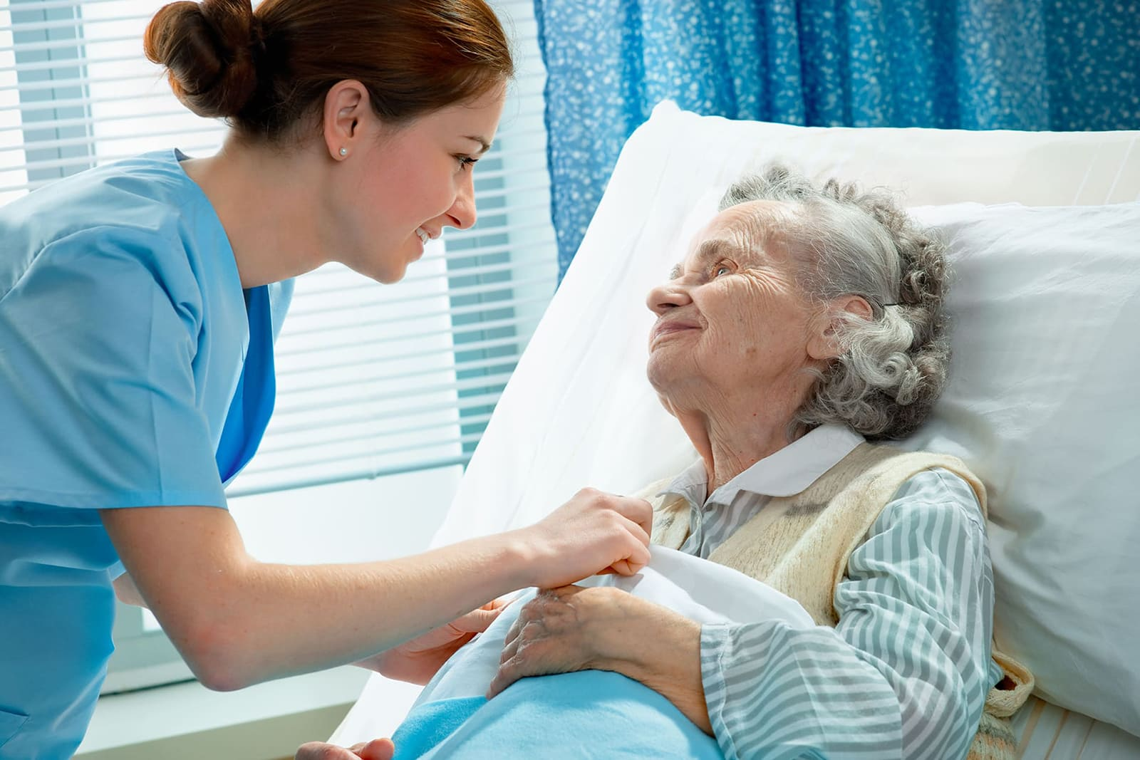 soignant avec patient